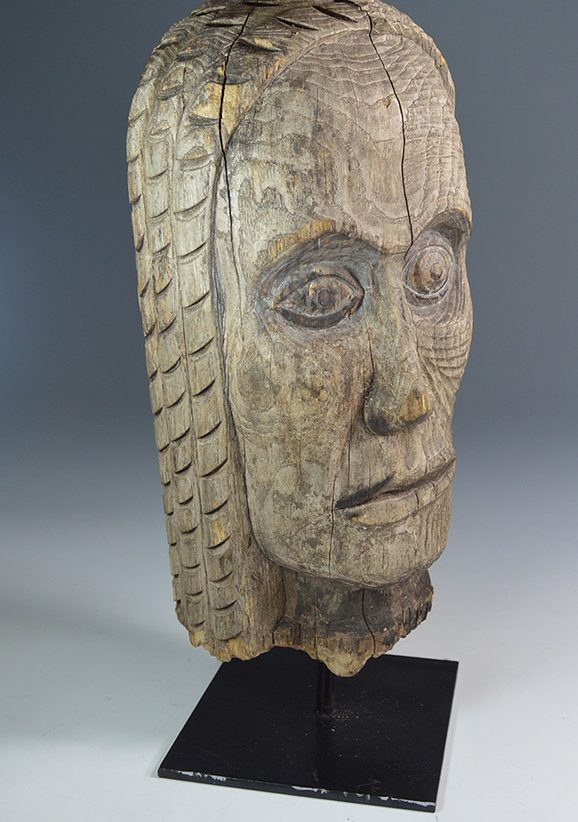 Native_american_indian_Totem_head